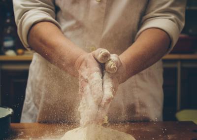 Tendances et origines liées à la transmission d'entreprise en Suisse: L'exemple de la boulangerie.